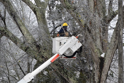 Lafayette Utility System Crews Helping Out!