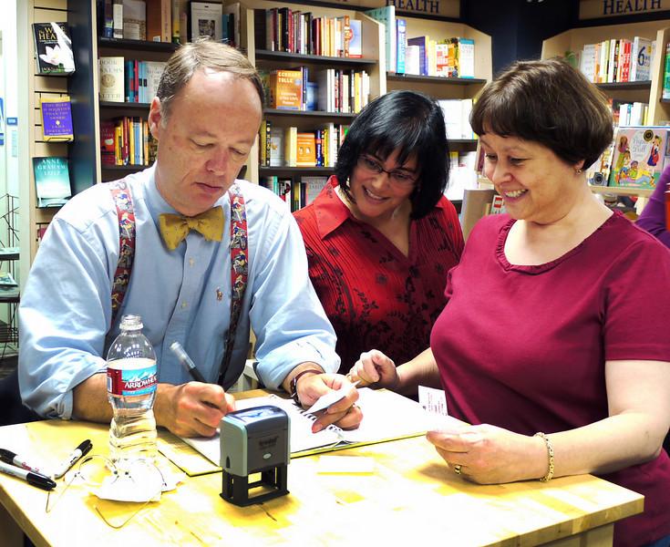 Chris Kimble, Phyllis & Kris