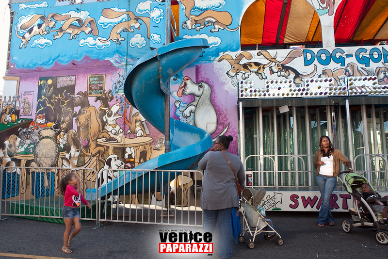 VenicePaparazzi-350.jpg