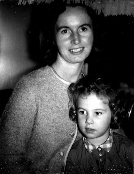 1164 - Mom, Linda  (1-25-66).jpg