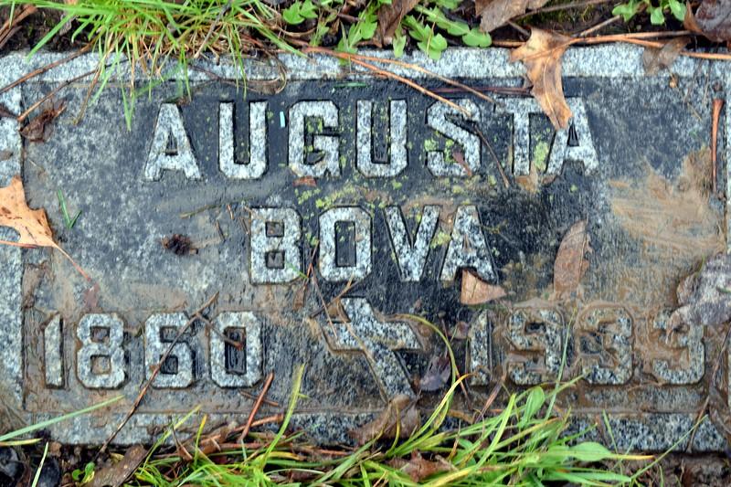 Great Grandma Bova immigrant.JPG