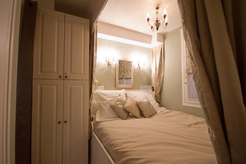 Marais Apartment December 2012-32.jpg