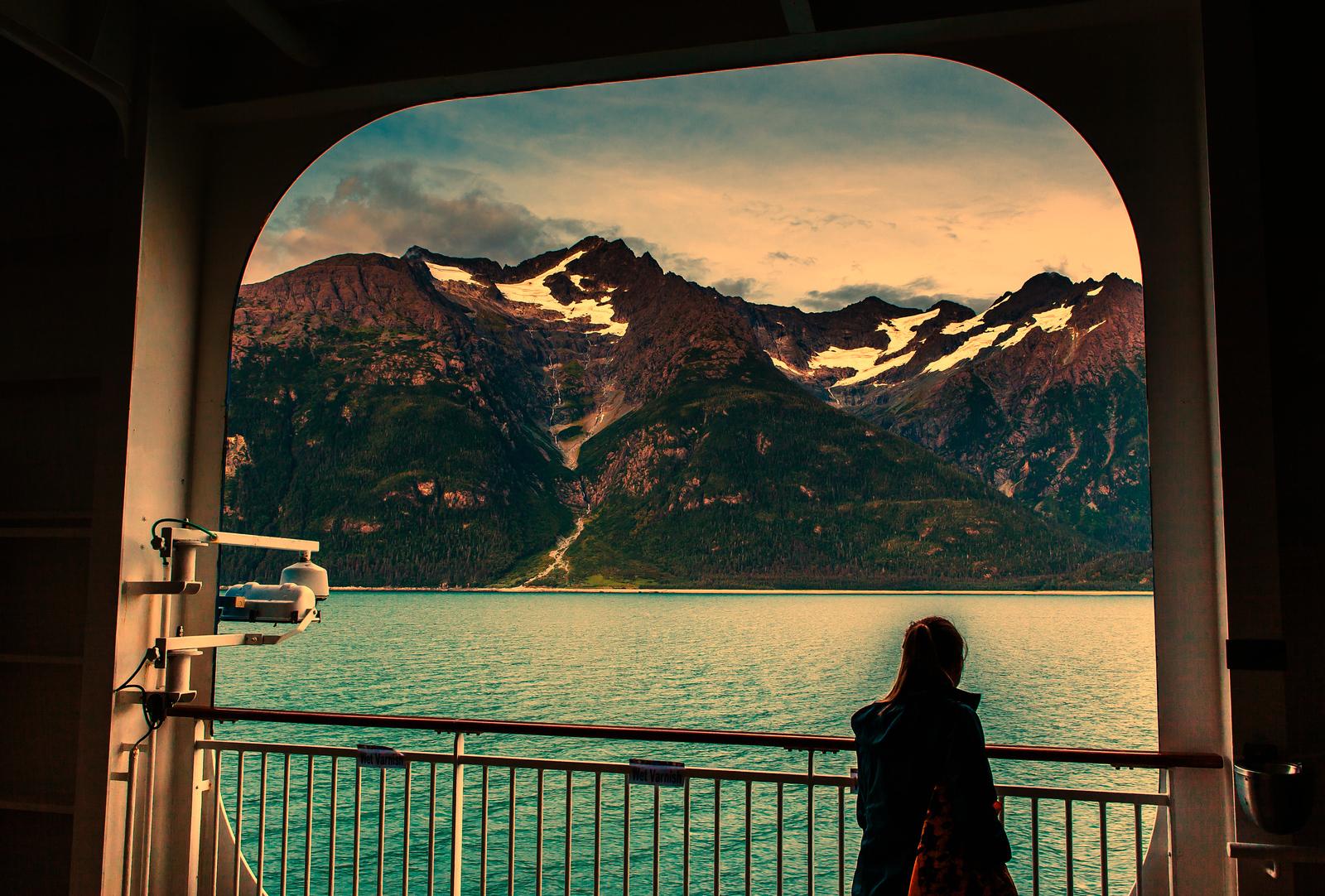 阿拉斯加,山上山下水边水中