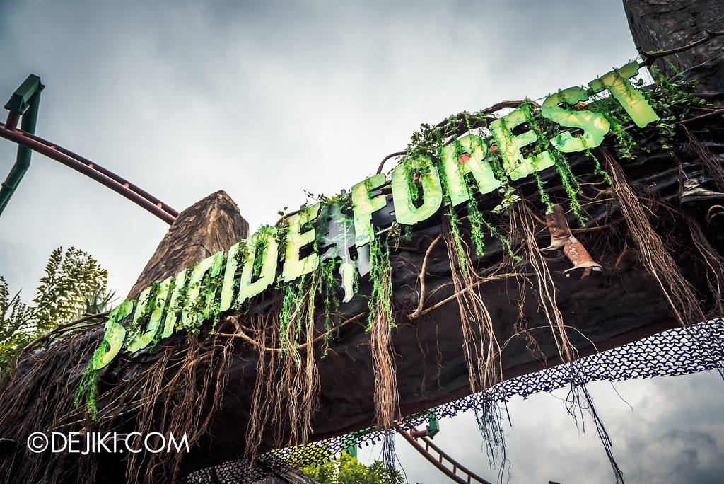 Universal Studios Singapore - Halloween Horror Nights 6 Before Dark Day Photo Report 2 - Suicide Forest marquee