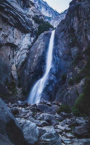 08_10-13_2017_Yosemite_lowerYosemitFalls_01.jpg