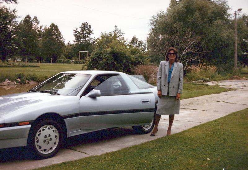 1984 Teri and new car.jpeg