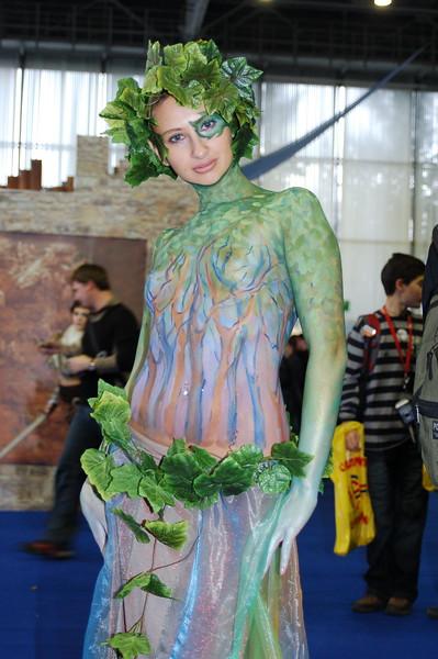 Green girl from Igromir 2007