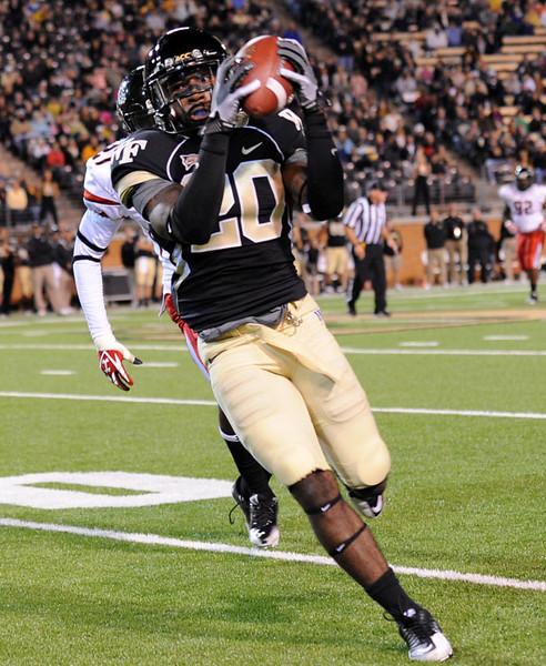 Lovell Jackson catch.jpg
