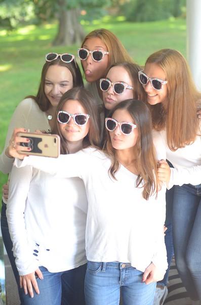 Julia Friend Group Pics - 265 of 308.jpg