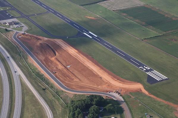 Winchester Municipal Airport, 06Jul14