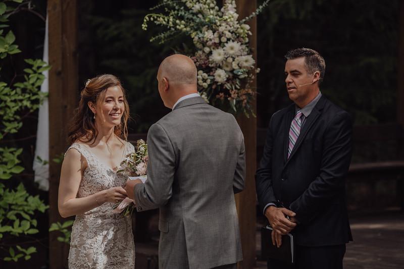 2018-05-12_ROEDER_JulieSeth_Wedding_DUSTIN1_0076.jpg