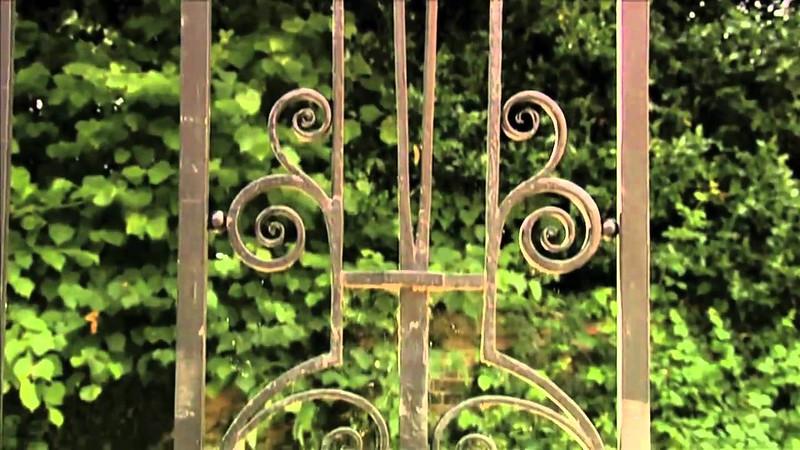 Alresford gate detail.jpg