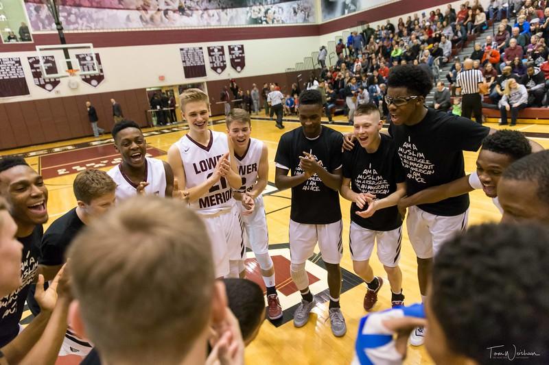 LMHS_boys_Basketball_vs_CBS-10.jpg