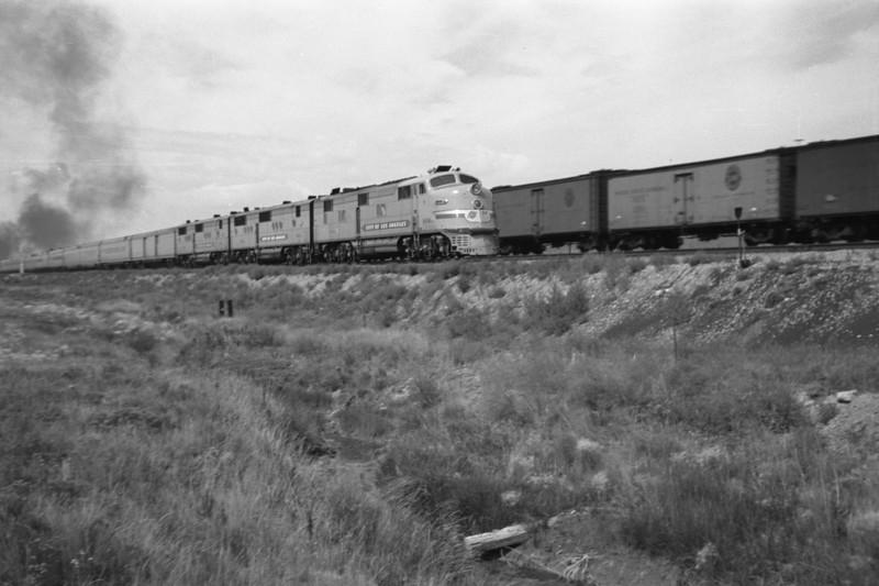 UP_Streamliner_near-Wahsatch_Aug-1946_001_Emil-Albrecht-photo-205-rescan.jpg