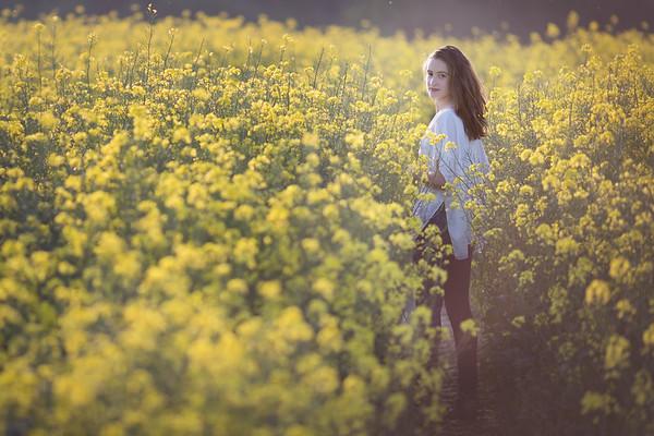 2018 - Ella in the oilseed 007