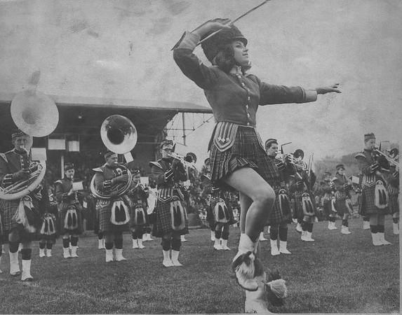 QB Majorettes 1964 a.jpg