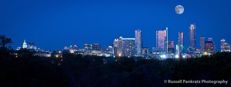 2012-08-30 Full Moon Over Austin.jpg