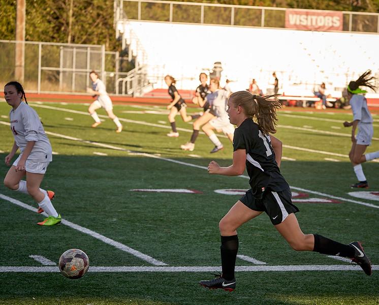 18-09-27 Cedarcrest Girls Soccer JV 159.jpg
