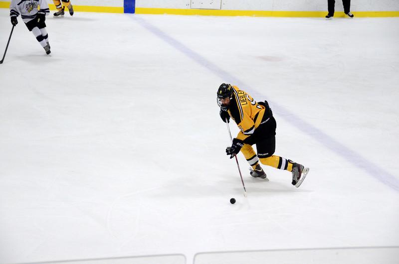 141004 Jr. Bruins vs. Boston Bulldogs-069.JPG