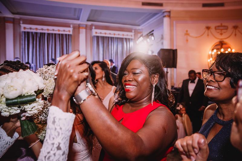 Montreal Wedding Photographer | Wedding Photography + Videography | Ritz Carlton Montreal | Lindsay Muciy Photography Video |2018_788.jpg
