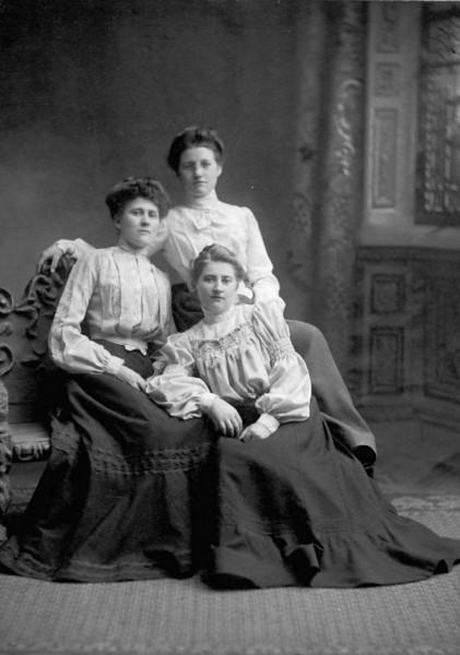 Bertha Liebe (back) and friends