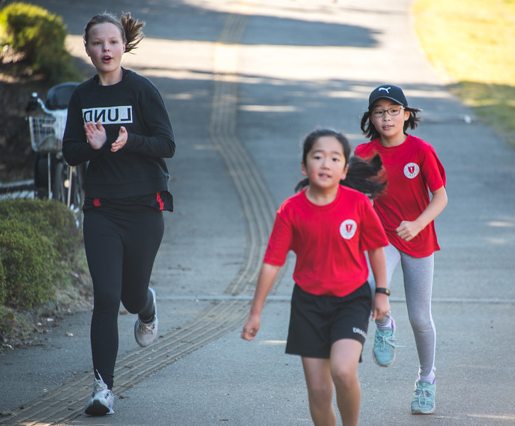 Grade 3 -5 Cross Country Day-untitled shoot-YIS_8294-2018-19.jpg
