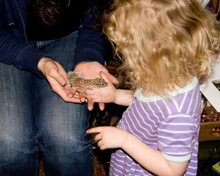 Beverly holding a gecko