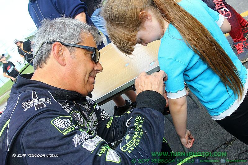 autograph session 13.jpg