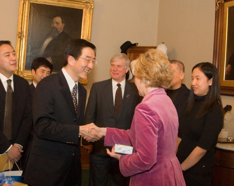 2007_china_delegation_statehouse_tour_lt_gov_0254.JPG