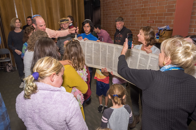 Simchat Torah-298.jpg