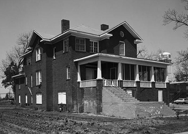 Preservation - Isaiah_Thornton_Montgomery_House,_West_Main_Street,_Mound_Bayou_(Bolivar_County,_Mississippi).jpg