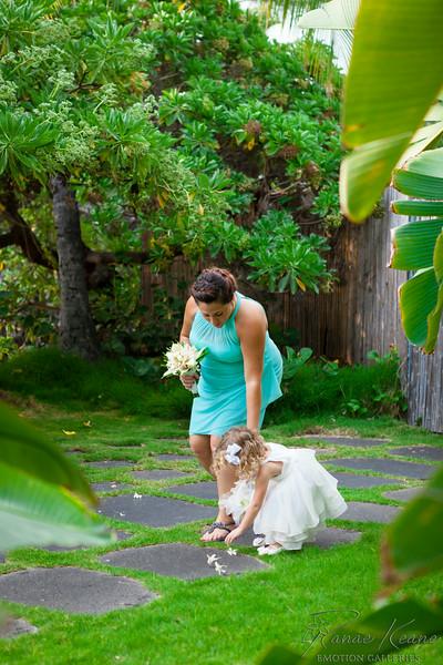 085__Hawaii_Destination_Wedding_Photographer_Ranae_Keane_www.EmotionGalleries.com__140705.jpg