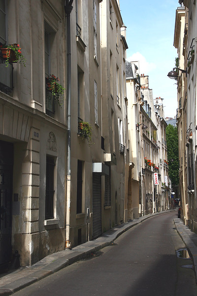 Rue Suger is a quiet little side street, right off of the lively Boulevard St. Michel area, in St. Germain