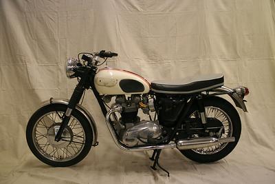 1966 Triumph T120R Bonneville (Cooley)
