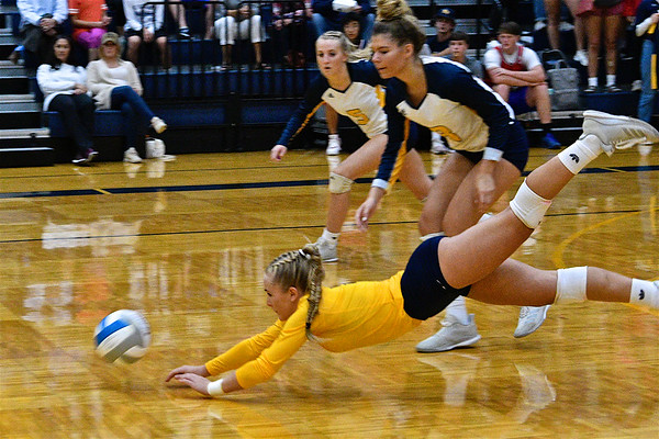 MS Mt. Pleasant Tops Midland In Volleyball