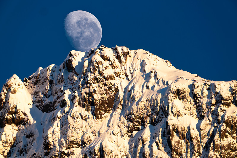 Moonset in Firordland National Park