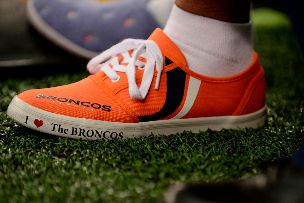 . A Denver Broncos fan supports the team before the Broncos\' game against the Dallas Cowboys at AT&T Stadium. (Photo by AAron Ontiveroz/The Denver Post)