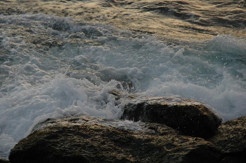 Hawaii - Ala Moana Beach Sunset-74.JPG