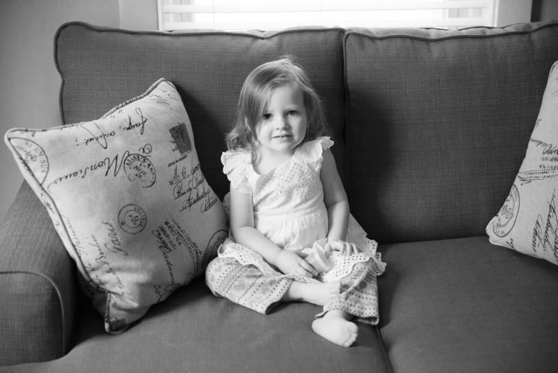 2014.03.30 Whitney Kronforst Newborn Photos B-W 01.jpg