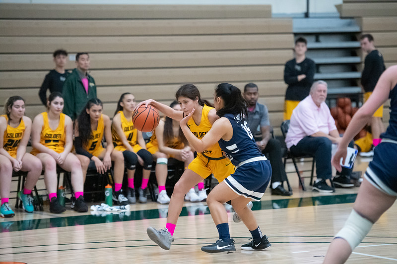 Basketball-W-2020-01-31-7889.jpg