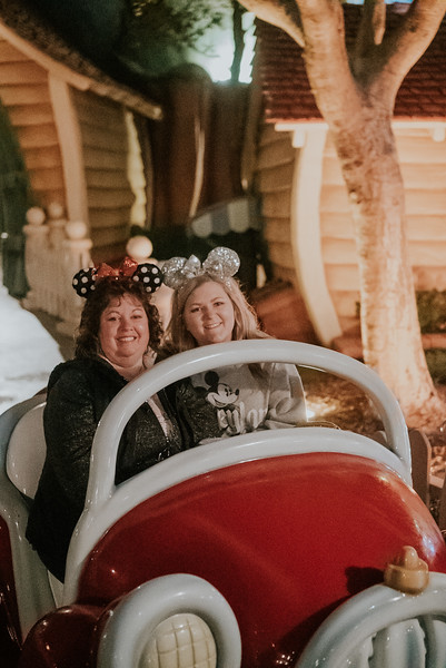 Disneyland with the Ford Family-350.jpg