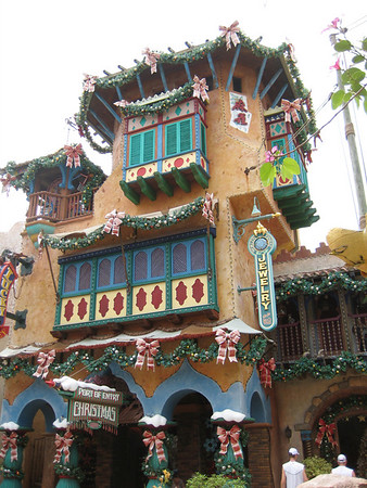 2009-6 Universal and Disney