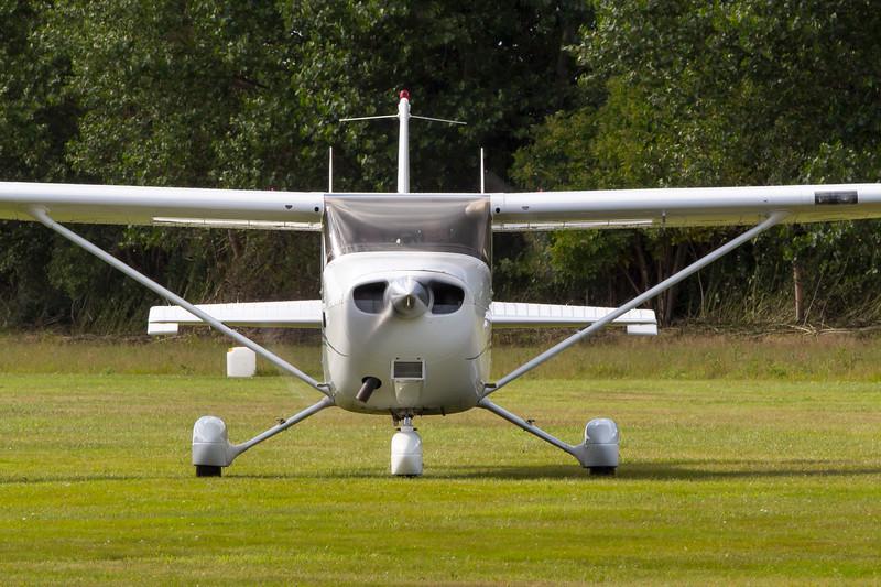 OY-PGH-Cessna172SSkyhawkSP-Private-EKEL-2013-07-30-_MG_2116-DanishAviationPhoto.jpg