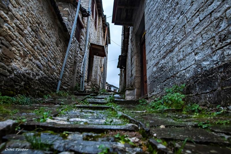 רחוב בכפר קיפי.jpg