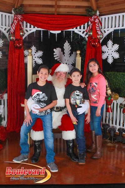 Santa 12-10-16-360.jpg