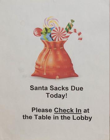 2015-11-29 Santa Sacks
