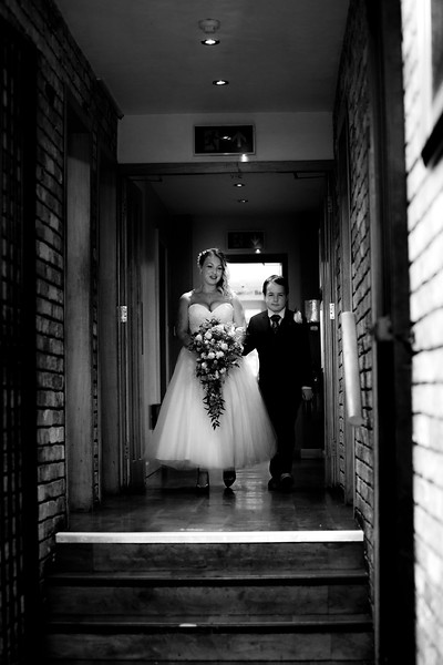 Sam_and_Louisa_wedding_great_hallingbury_manor_hotel_ben_savell_photography-0040.jpg