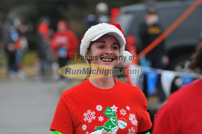 Finish, Gallery 4 - 2012 Shelby Twp. JIngle Bell Run