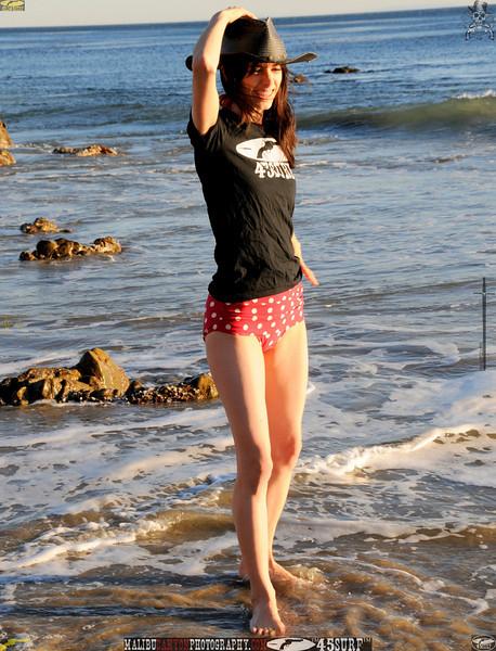 matador swimsuit malibu model 1373.435.453.jpg