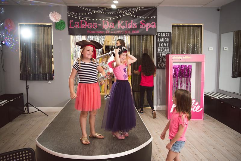 2020-0104-delaney-barbie-party-21.jpg